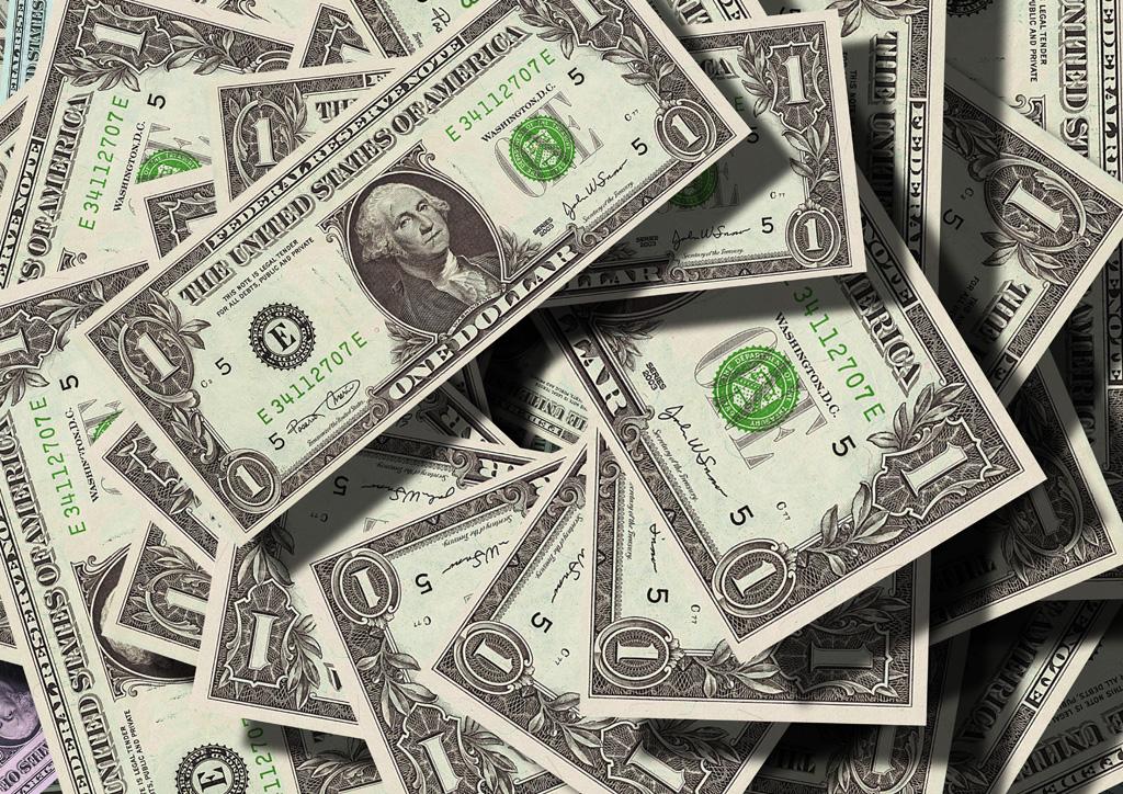 貯金の目安?投資に回さない生活防衛資金はいくら必要なのか
